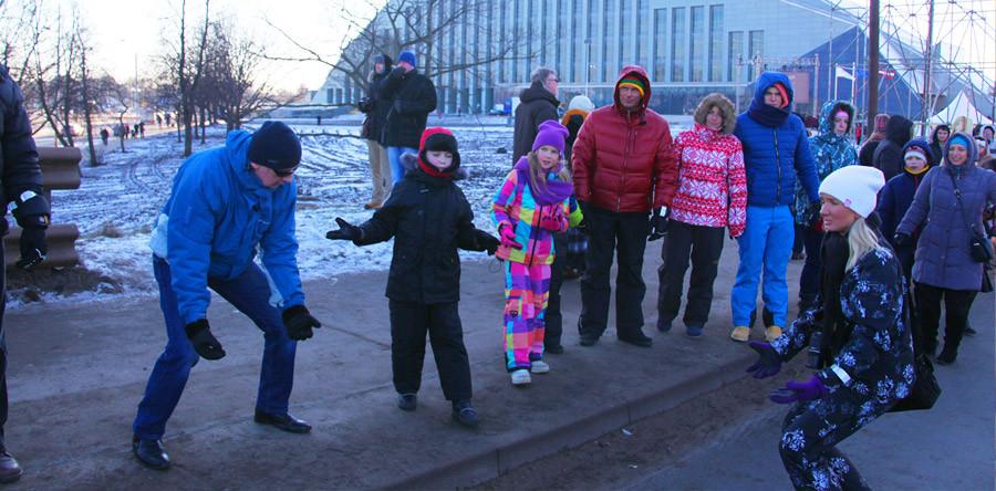 De mão em mão, o orgulho da Letônia