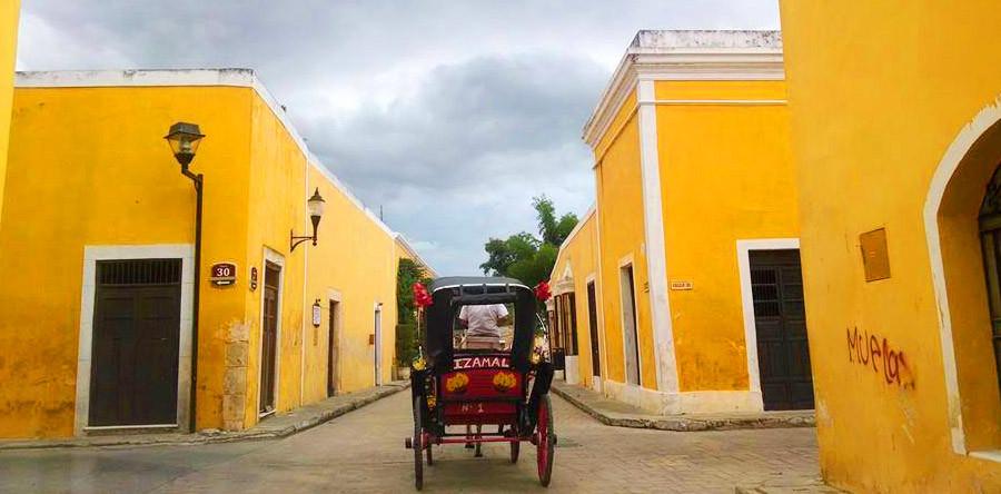 Conheça Izamal, a cidade inteiramente amarela!