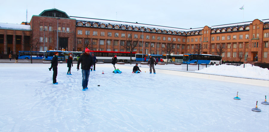 Uma partida de curling em Helsinki!