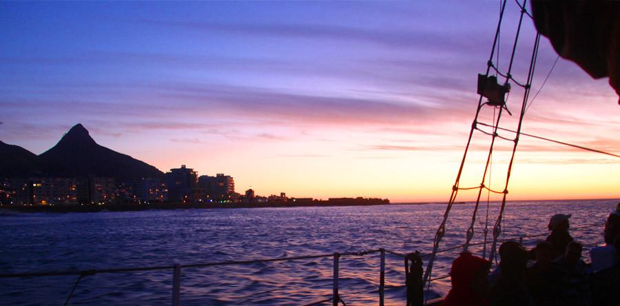 Um cruzeiro para o pôr do sol