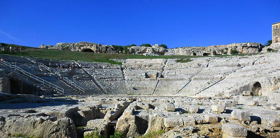Neápolis: Um teatro grego na Itália